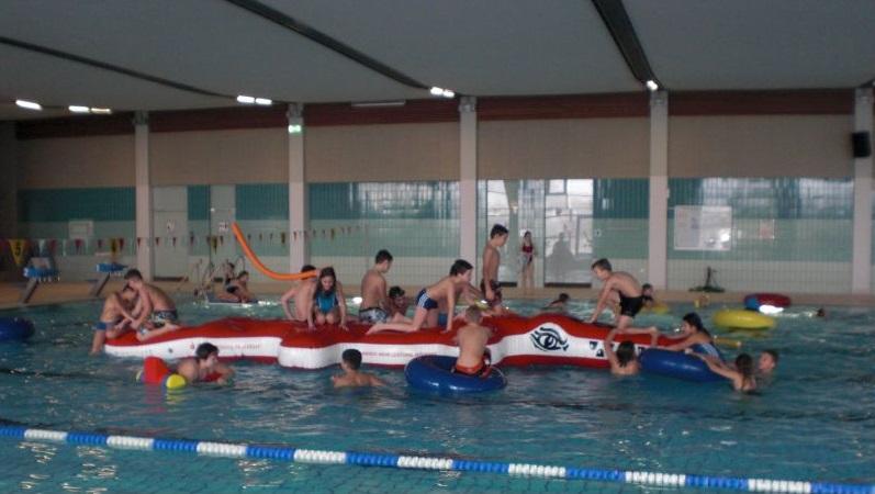 Laut, Nass, Lustig – Schwimmtag Der 5. Klassen
