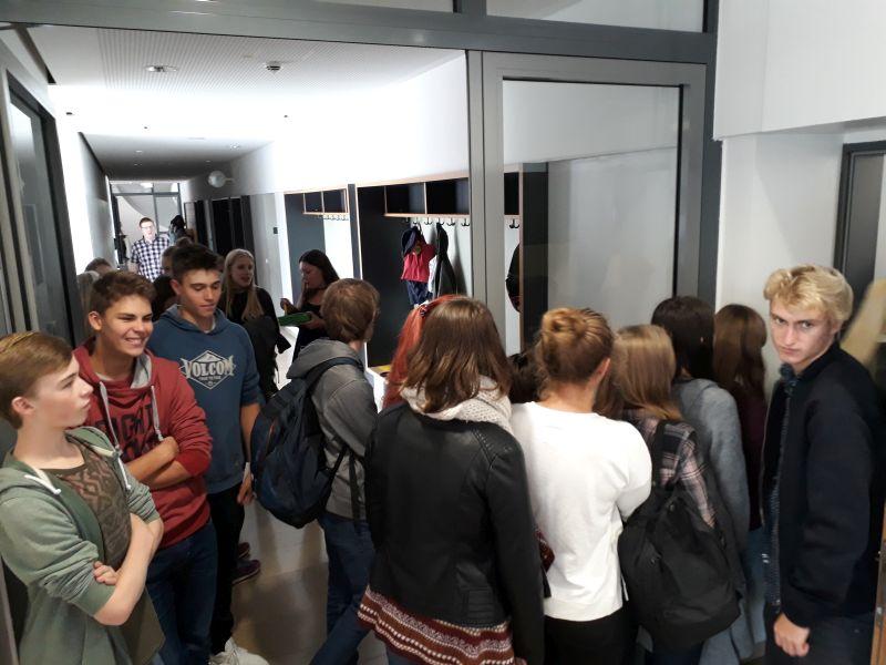 Schülerinnen Und Schüler Engagiert Beim Wählen