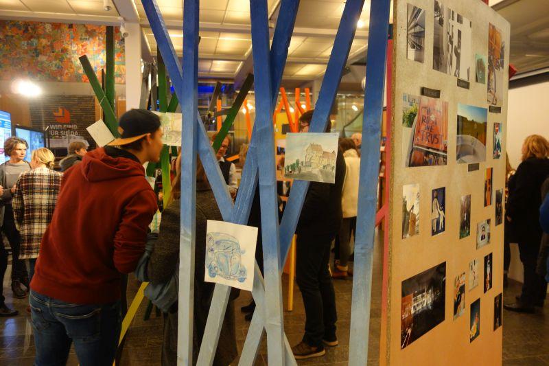 Verwegene Kunst Statt Auto – P-Seminar Kunst Des AVG Präsentiert Im Bürgerhaus/ Ausstellung Mit Photos Und Zeichnungen
